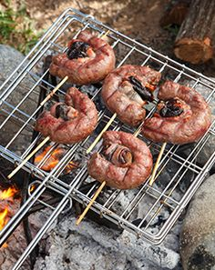 In en om die huis: Boerewors Kebabs Braai Recipes, Diet Recipes, Vegetarian Recipes, Dessert Recipes, Desserts, South African Braai, Biltong, South African Recipes, Other Recipes