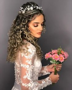 Bridal Wreaths - All For Hairstyles Crown Hairstyles, Party Hairstyles, Bride Hairstyles, Curled Hairstyles, Curly Bridal Hair, Curly Hair Problems, Quinceanera Hairstyles, Natural Hair Styles, Long Hair Styles