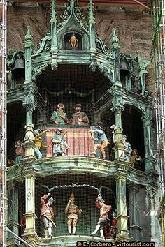 Munich - The Neues Rathaus' carillon, or Glockenspiel, comes into action three times a day, at 11h, at noon and at 17h, when its doors open, and small copper figures emerge and dance following the chimes of folk music. If you happen to be in Marienplatz at the right time, do not miss the show.