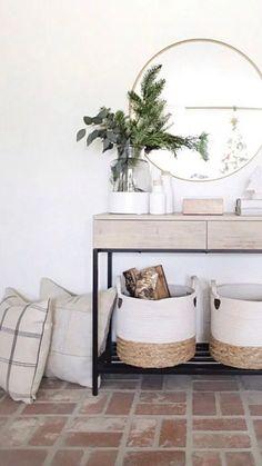 23+ Best Entry Table Decor Ideas: Cute Foyer Entrance Tables#cute #decor #entrance #entry #foyer #ideas #table #tables