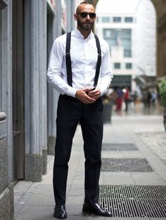 Awesome 25+ Men's Fashion in the 1920s https://www.vintagetopia.co/2018/02/12/25-mens-fashion-1920s/ Superstars including Snoop Dogg, Warren G along with Ice Cube to mention a few popularised the Dickies Workwear even in their songs, saying that it's a large part of their clothing.