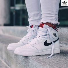 1aefe6b95c1b2 NIKE Air Jordan 1 Retro High OG White x Black x Touch of Red Nike Cano.  Nike Cano AltoRunning Shoes ...