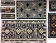 Victoria Berbecaru – expozitie de covoare traditionale la MNAC-Lifestyle-PeTocuri.ro Textile Fabrics, Traditional Rugs, Fabric Patterns, Rugs On Carpet, Folk Art, Fun Stuff, Weaving, Europe, Magic