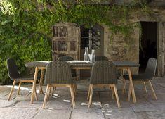 Round Garden Dining Table