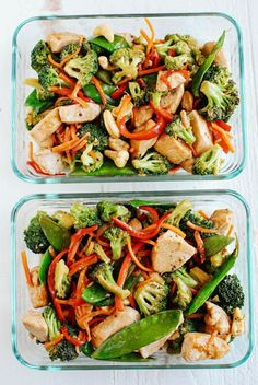 This EASY 20 minute One Skillet Cashew Chicken Stir Fry is the perfect weeknight meal that is healthy, full of flavor and perfect for your weekly meal prep! Super-Easy Shrimp Stir-Fry for Clean Eating Meal Prep! Eat Yourself Skinny, Prepped Lunches, Work Lunches, Lunch Meal Prep, Stir Fry Meal Prep, Meal Prep Bowls, Meals For The Week, Meal Prep For The Week Low Carb, Lunch Recipes