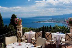 グランドホテル・ティメオ(Grand Hotel Timeo)は、エトナ山とシチリア海岸のパノラマの絶景を一望できるホテル ハネムーン♡