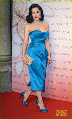Dita Von Teese Is Lady In Blue at Pasquale Bruni Secret Garden Cocktail Party!: Photo Dita Von Teese keeps it bright in a gorgeous blue dress while attending the Pasquale Bruni Secret Garden Cocktail Party on Thursday (June in Milan, Italy. Burlesque, Dita Von Teese Style, Dita Von Tease, Fashion Mode, Fashion Trends, High Fashion, Estilo Pin Up, Marine Uniform, Old Hollywood Glamour