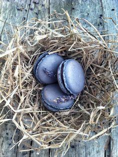 Lavender macaroons by Agnes Des Ducre - Yum!
