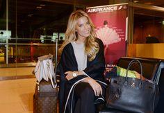 Ready for Take-off: Sylvie Meisgrüßt alle OK!-Fans vom Flughafen aus.
