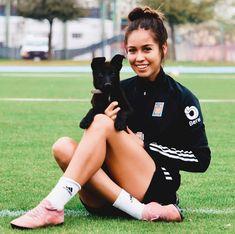 """Greta Espinoza on Instagram: """"✨¡¡GIVEAWAY!! ✨ Cava Pets y yo nos unimos para regalarles: ✅ Un día de guardería ✅ Una asesoría de comportamiento a domicilio ✅Una…"""" Giveaway, Running, Pets, Instagram, Behavior, Keep Running, Why I Run, Animals And Pets"""