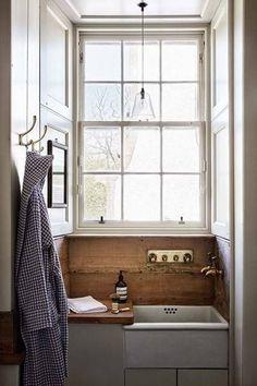 interiors/bathroom/butlersink