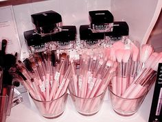 P!NK Make Up Brushes                                                                                                                   ✮∙ẗℍ!йḲᖮℕ∙¶!ℼḰ∙✮