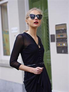 Fab le Frique: Women's Retro Oversize Block Frame Cat Eye Sunglasses 9784