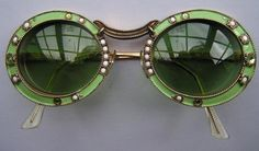 Christian Dior Mod Sunglasses Vintage Jeweled Frames (item detailed views) Source by Round Sunglasses, Dior Sunglasses, Trending Sunglasses, Sunnies, Piercings, Vintage Outfits, Vintage Fashion, Christian Dior Vintage, Mode Chic