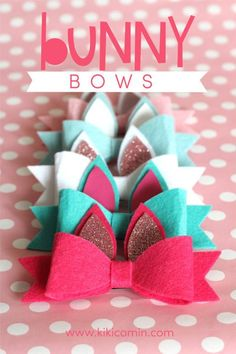 Bunny Bows with Expressions Vinyl - Kiki & Company Felt Hair Bows, Diy Hair Bows, Diy Bow, Ribbon Hair, Diy Leather Bows, Leather Crafts, Bow Template, Making Hair Bows, Bow Making