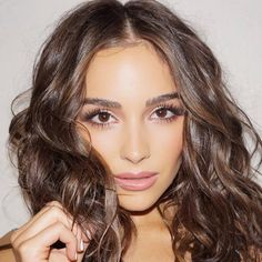 Olivia Culpo Wardrobe by Anita Patrickson Hair by Justine Marjan Product Breakdown👇🏻👇🏻👇🏻👇 Classic Hairstyles, Casual Hairstyles, Wedding Hairstyles, Olivia Culpo, Wedding Hair And Makeup, Hair Makeup, Wedding Guest Makeup, Celebrity Hair Stylist, Brunette Hair