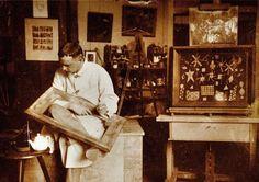 FOTO DEL GIORNO - Paul Klee nel suo atelier a Berna (foto: Zentrum Paul Klee)
