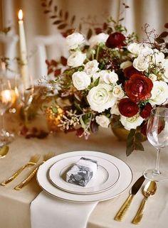44 Elegant Burgundy And Gold Wedding Ideas | HappyWedd.com #PinoftheDay #elegant #burgundy #gold #wedding #ideas