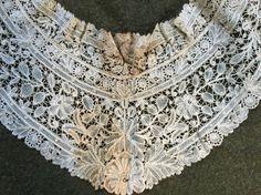 Fine Antique Brussels Lace Collar Point Duchesse de Gaze Floral Scroll Vintage…