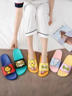 Womens Slippers, Pool Slides, Slip On, Lady, Shoes, Fashion, Zapatos, Womens Fashion, Moda