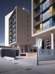 Edificio de 163 Viviendas / ADI Arquitectura