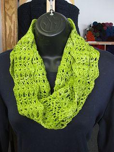 My Cowl - free crochet pattern by Kelly Judson. Dk weight.