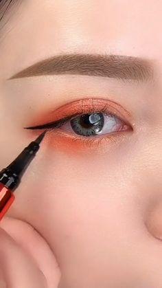 Makeup Tips Eyeshadow, Makeup Tutorial Eyeliner, Nude Makeup, Korean Eye Makeup, Asian Makeup, Natural Eyeliner, Halloween Eye Makeup, Makeup Makeover, Everyday Makeup