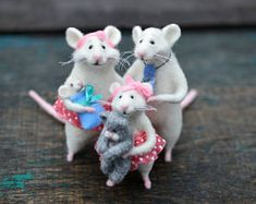 Family of mice Little mice Mice doll animal Felted animals Father mouse Mama mouse Miniature mice Funny mice Cute mice Family Parents mouse