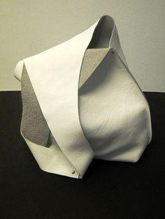 Bolso de hombro a mano en cuero blanco por JPRESTONHANDBAGS en Etsy