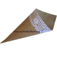 Preciosos conos de yute con encaje de algodón muy finos para una boda unica http://www.misdetallesdeboda.com