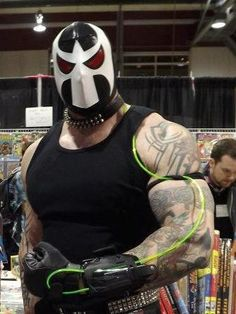 Character: Bane / From: DC Comics 'Batman: Vengeance of Bane' / Cosplayer: Unknown