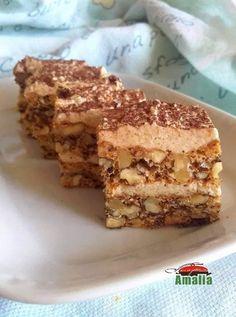 Romanian Desserts, Romanian Food, Aniversary Cakes, Cake Recipes, Dessert Recipes, Sweet Desserts, Chocolate Desserts, Fruit Tart, Coco