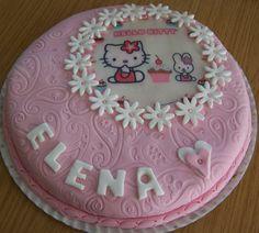 Tarta Infantil en fondant. Hello Kitty
