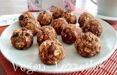 Çok az malzeme ile sağlıklı ve lezzetli kurabiyeler hazırlamak ister misiniz? Malzemeler : 1 su bardağı yulaf ezmesi 2 adet orta...