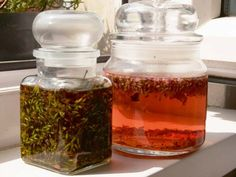 Vyrobte si malé domácí poklady zlevandule - Novinky.cz Nordic Interior, Korn, Kraut, Mason Jars, Lavender, Herbs, Homemade, Survival, Cosmetics