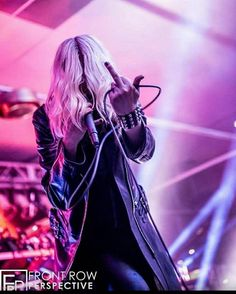 Taylor Momsen ✾ of The Pretty Reckless Taylor Momsen Style, Taylor Michel Momsen, Taylor Momson, Taylor Swift, Jenny Humphrey, Women Of Rock, Cindy Lou, Cw Series, American Singers