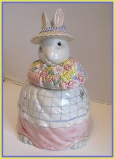 Fitz and Floyd retired bunny cookie jar