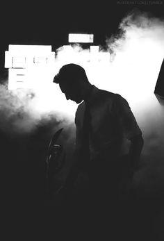 Tom Hiddleston silhouette
