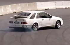 VIDEO Merkur XR4Ti drifting at Drift Valley