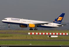 High quality photo of TF-ISF (CN: 24595) Icelandair Boeing 757-223 by Freek Blokzijl