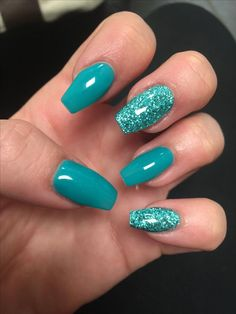 Want to know how to do gel nails at home? Learn the fundamentals with our DIY tutorial that will guide you step by step to professional salon quality nails. Turquoise Acrylic Nails, Blue Glitter Nails, Teal Nails, Summer Acrylic Nails, Fancy Nails, Green Nails, My Nails, Pretty Nails, Metallic Nails