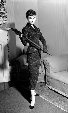 Always Audrey Hepburn Audrey Hepburn Photos, Audrey Hepburn Style, Aubrey Hepburn, Vintage Style Dresses, Vintage Outfits, 1950s Fashion, Vintage Fashion, Trendy Outfits, Fashion Outfits
