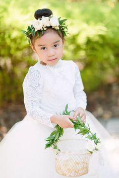Flower girl Flower Girl Hairstyles, Crown Hairstyles, Wedding Hairstyles, Flower Girl Outfits, Flower Girls, Sleek Updo, Wedding Hair Side, Side Swept Hairstyles, Bride Pictures