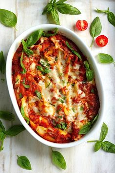 Super Cheesy Caprese Stuffed Shells - this easy recipe is sure to please the whole family!