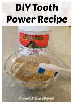 DIY tooth powder recipe that you can make with just a few simple ingredients to remineralize your teeth and clean your mouth naturally. Home Teeth Whitening Kit, Teeth Whitening Remedies, Natural Teeth Whitening, Skin Whitening, Remedies For Tooth Ache, Homemade Skin Care, Homemade Facials, Tooth Powder, Powder Recipe