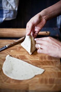 making samosas | Playful Cooking