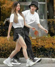 Kpop Couples, Cute Couples, Parejas Goals Tumblr, Jungkook Aesthetic, K Idol, Jaehyun, Wattpad, Hipster, Fancy