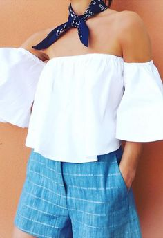 Try dressing your neck with a bandana and match with an off-the-shoulder top for all the summer vibes going