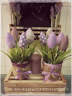 tulipani  bocciolo stoffa tonalità del viola  vasetti metallo decorati