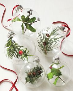 Using clear ornaments mom shares DIY Christmas ornaments that make the tree pop Noel Christmas, Homemade Christmas, Rustic Christmas, Winter Christmas, Frugal Christmas, Christmas Greenery, Reindeer Christmas, Christmas Balls, Simple Christmas